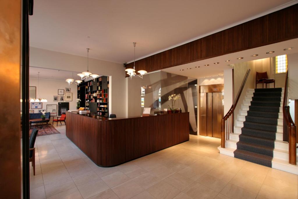 hotel alexandra copenhagen book your hotel with viamichelin. Black Bedroom Furniture Sets. Home Design Ideas