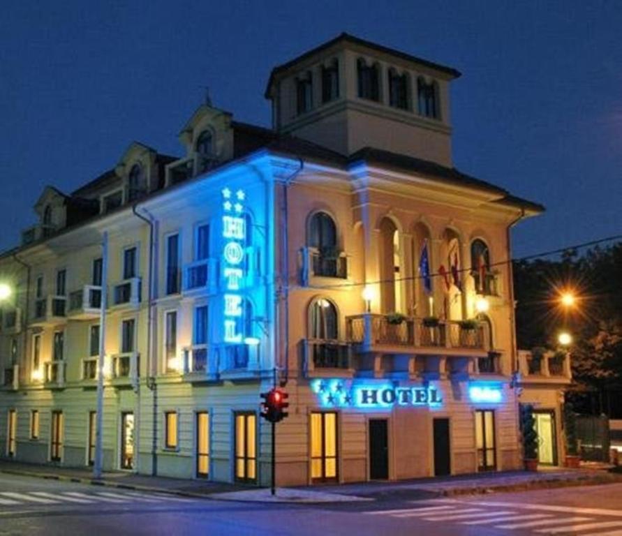 Hotel villa savoia turin informationen und buchungen for Hotels turin