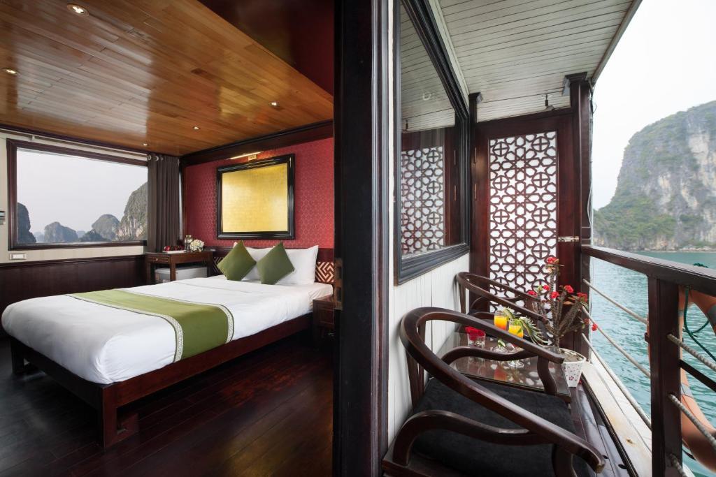 Phòng Deluxe Giường đôi/2 Giường đơn với ban công riêng - 2 Ngày 1 Đêm