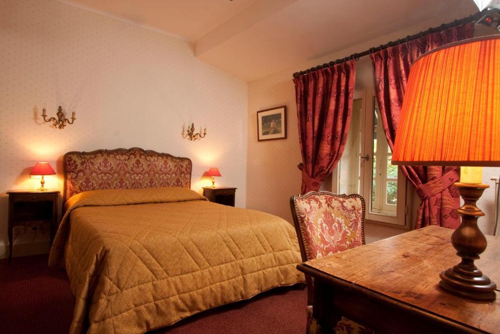 Hotel In Dijon Family Room