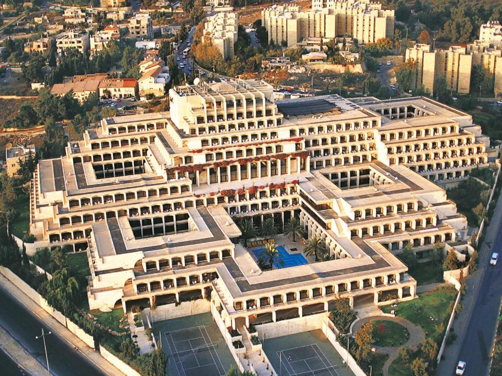 מבט מלמעלה על מלון דן ירושלים