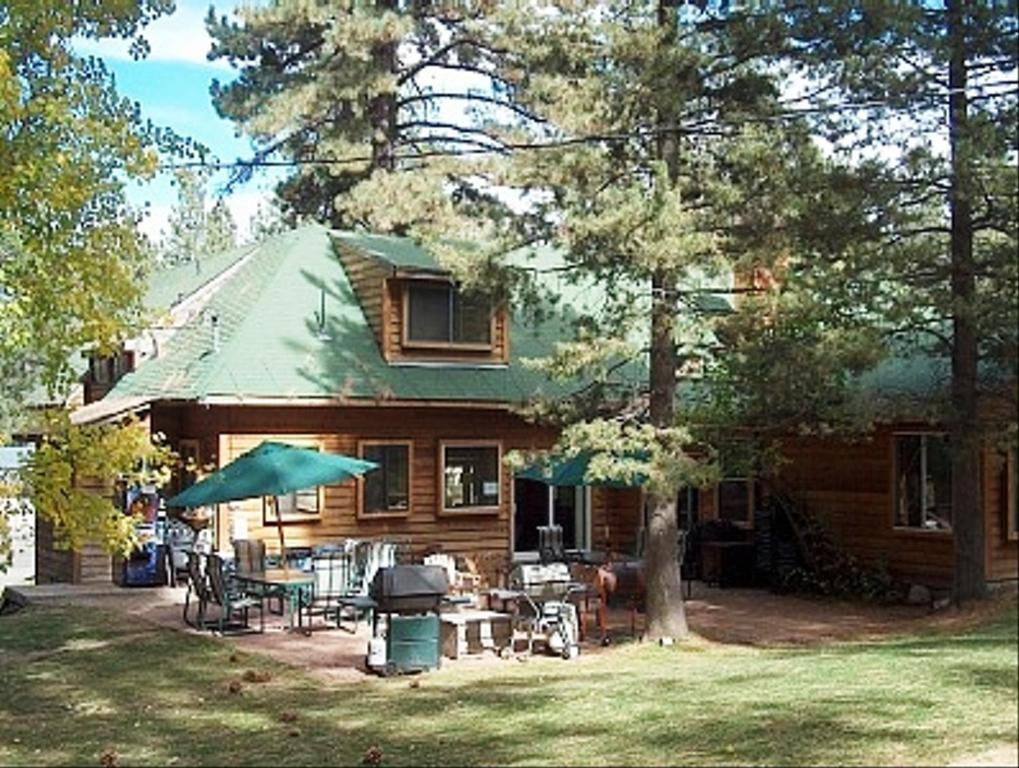 Large Group Vacation Rental 12