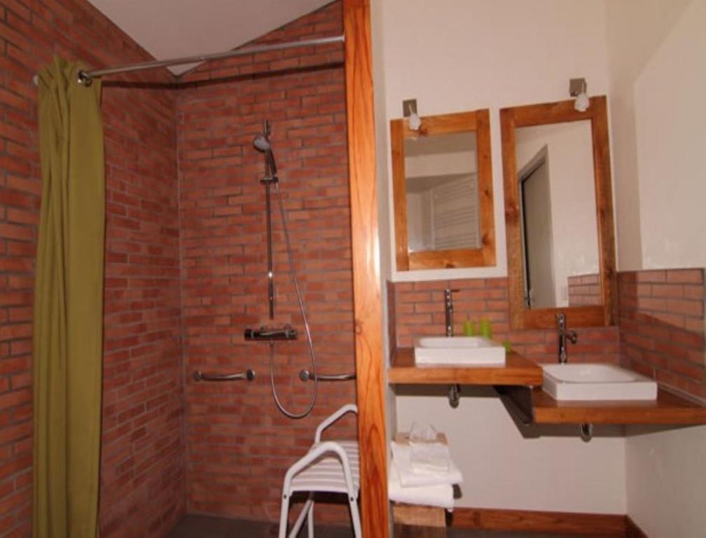 Chambres d 39 h tes le ch teau rouge r servation gratuite sur viamichelin - Chambres d hotes chateau d olonne ...