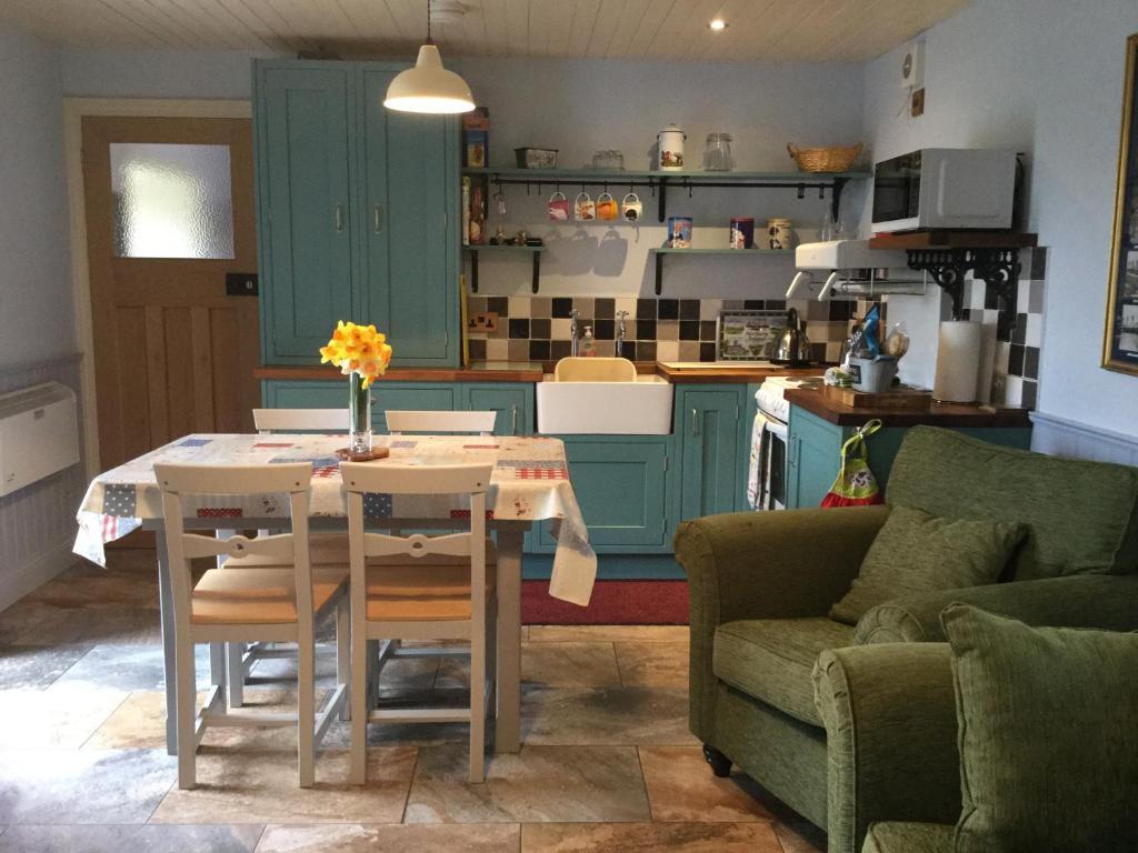 Único Mueble De Cocina Equipamiento Reino Unido Ideas - Como Decorar ...