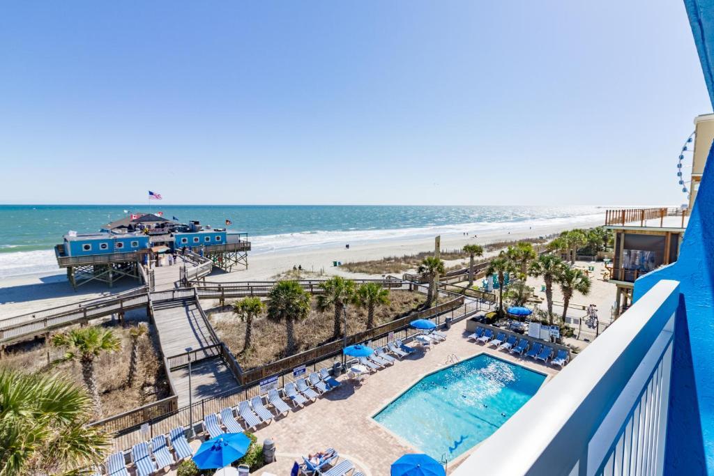 Una vista de la pileta en Yachtsman Oceanfront Resort o alrededores