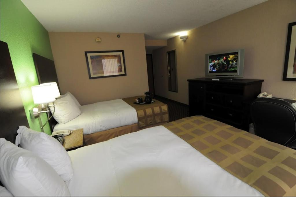 Quality Inn Amp Suites Tallahassee Tallahassee Book Your