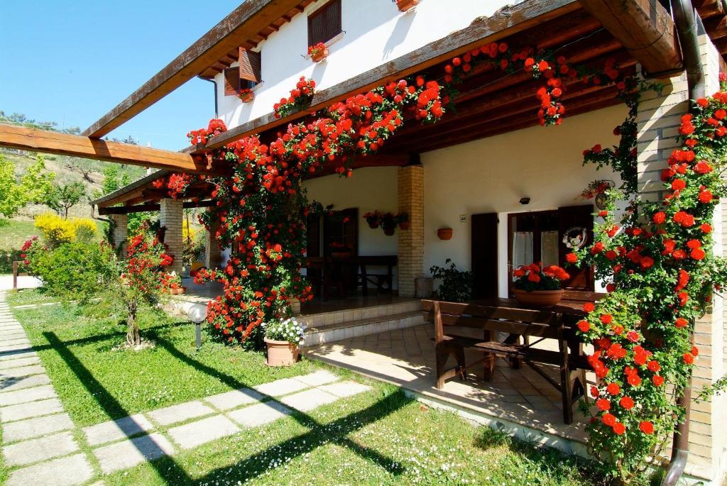 Agriturismo bio il portico penne prenotazione on line for Altalena portico fattoria