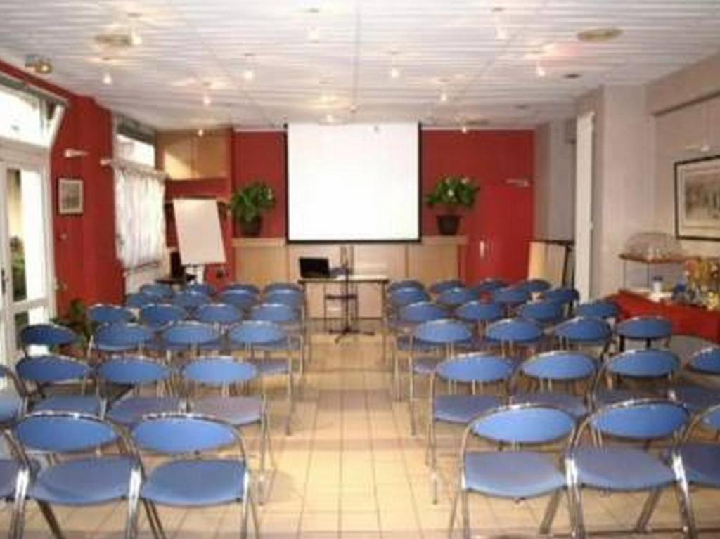 Hotel le lumi re lyon informationen und buchungen for Le jardin 69008 lyon