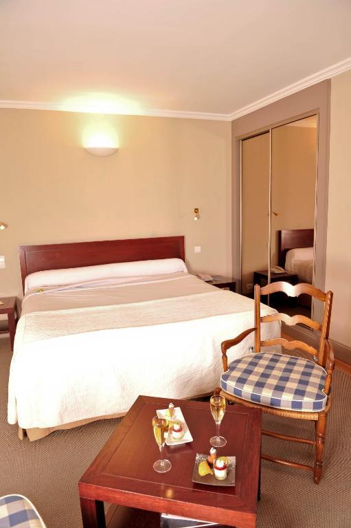 H tel des pyr n es r servation gratuite sur viamichelin - Hotel des pyrenees saint jean pied de port ...