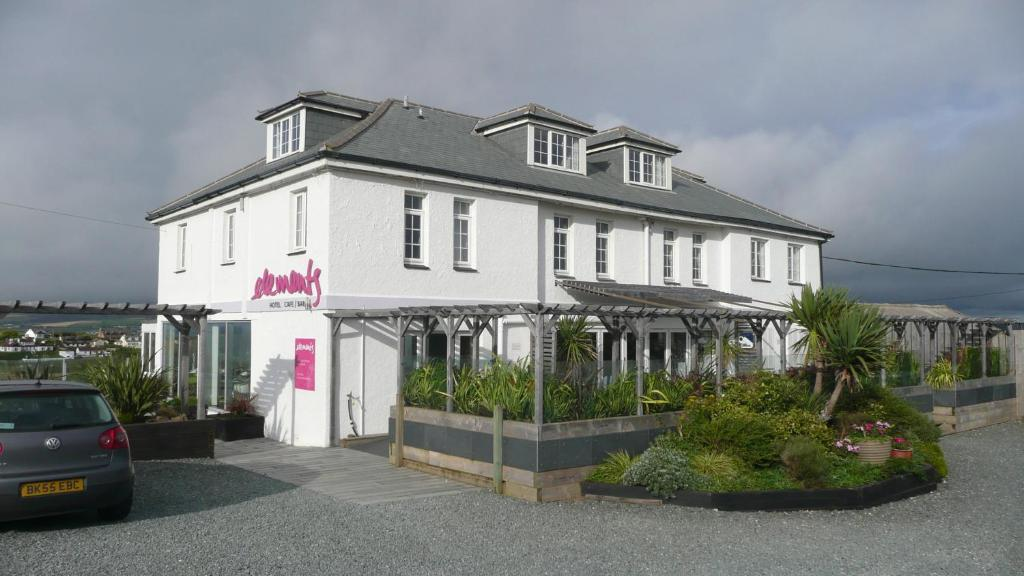 Elements bude online booking viamichelin - Welcoming modern house with panoramic view serving flawless relaxation ...