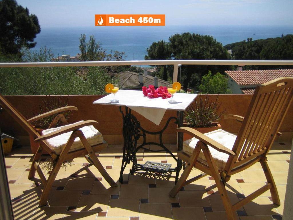 Villa Jordana One Step To The Beach (España Sant Pol de Mar ...
