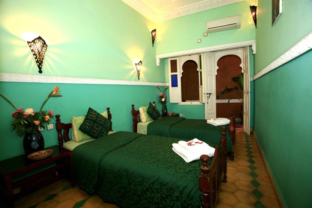 Riad l 39 arabesque chambres d 39 h tes marrakech maroc for Chambre 13 maroc