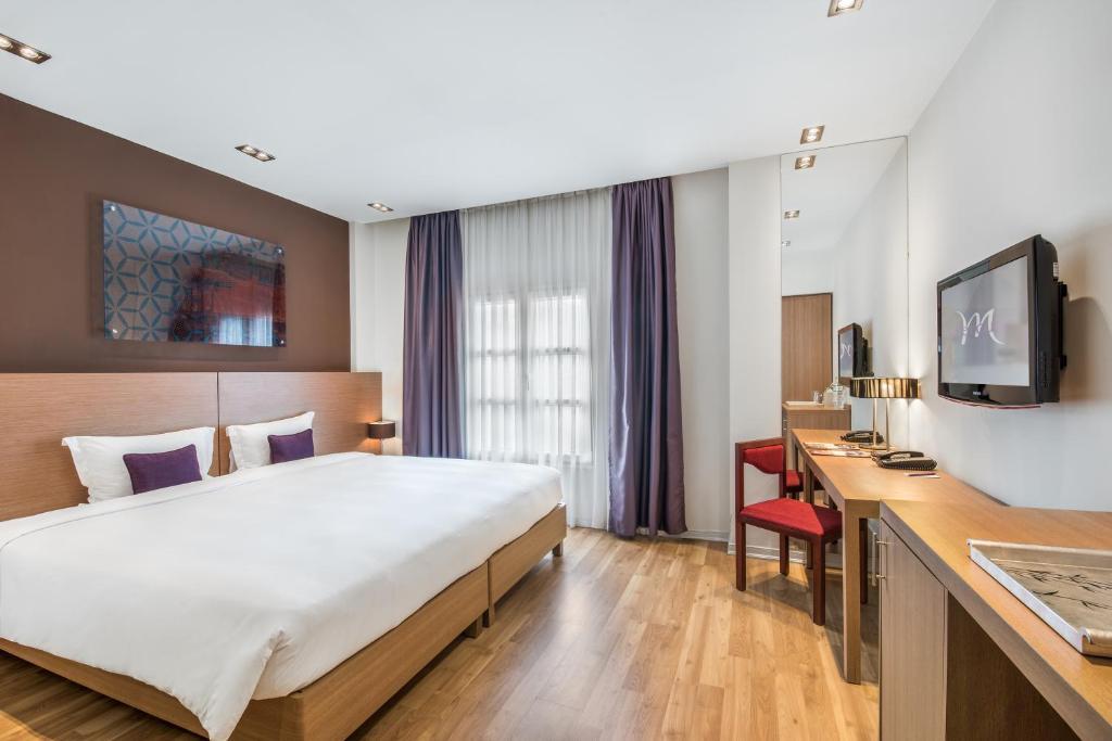 Phòng Superior có giường cỡ Queen (3 người lớn)