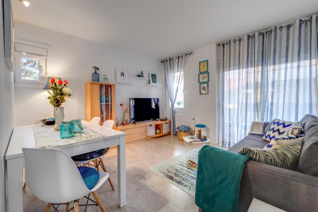 Apartamento Vivalidays Natalia (Espanha Santa Susanna ...