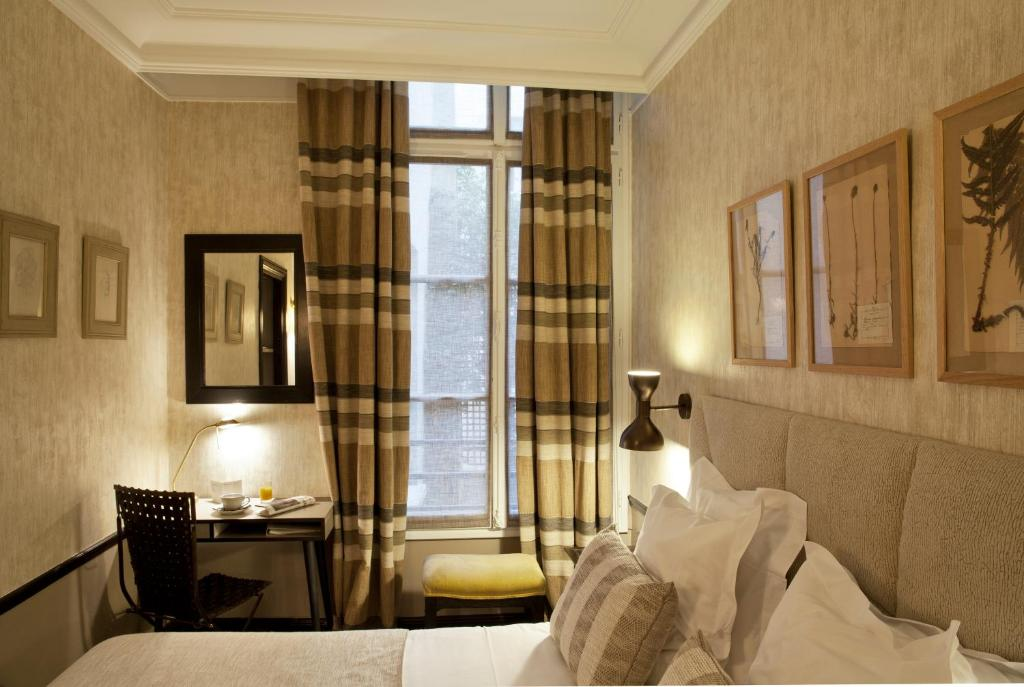 h tel th r se paris book your hotel with viamichelin