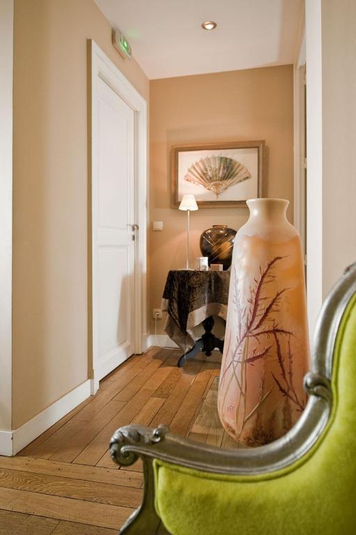 maison d 39 h te de myon chambres d 39 h tes nancy. Black Bedroom Furniture Sets. Home Design Ideas