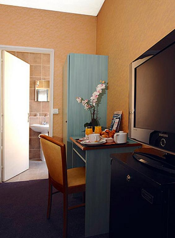 Auriane porte de versailles paris book your hotel with - Auriane porte de versailles hotel paris ...