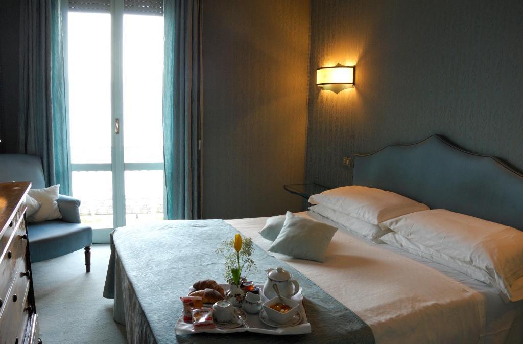 Albergo sempione r servation gratuite sur viamichelin for Hotel saini meuble stresa