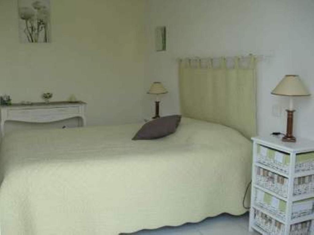 Chambres d 39 h tes les roses tr mi res chambres d 39 h tes for Chambre d agriculture gironde