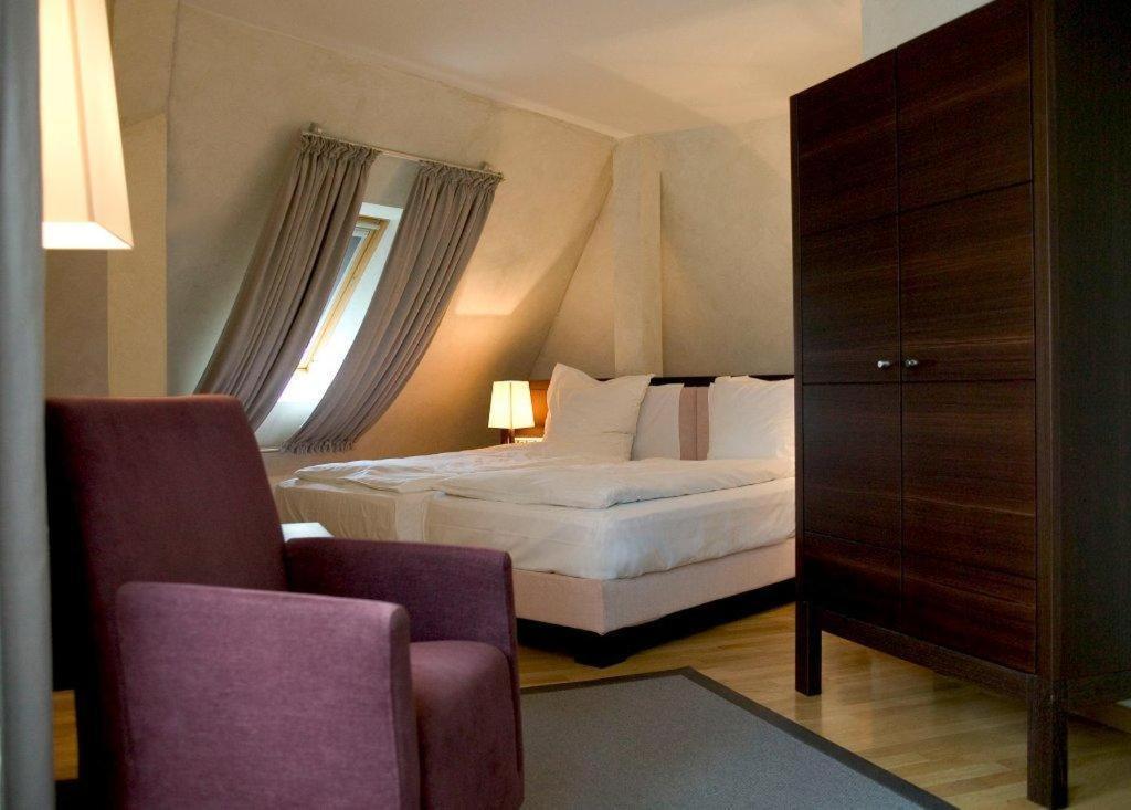 Citta tr ffel hotel wiesbaden book your hotel with for Designhotel wiesbaden