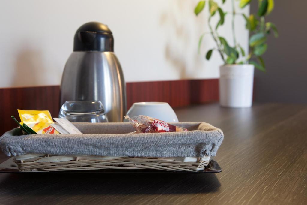 Qualys h tel restaurant le mas de grille lattes - Meteo st jean de vedas ...