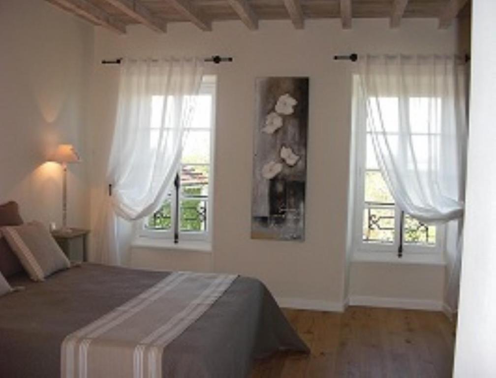 Chambres d 39 hotes domaine de la capelle chambres d 39 h tes for Chambre d hote st martin vesubie
