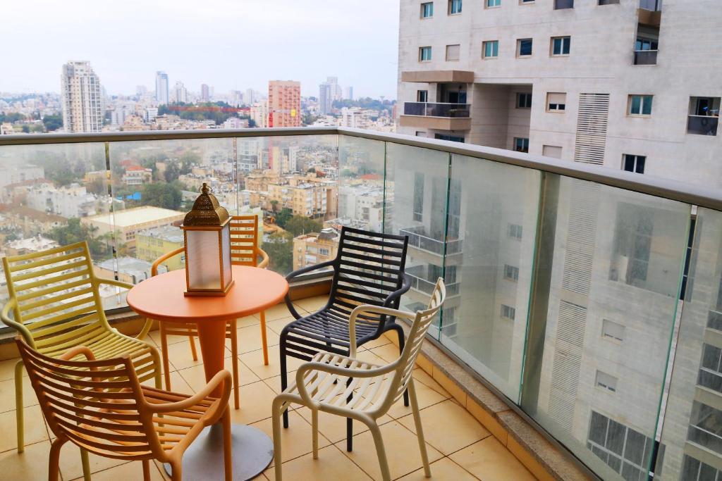 фото с балкона израиль душещипательно, очень-очень