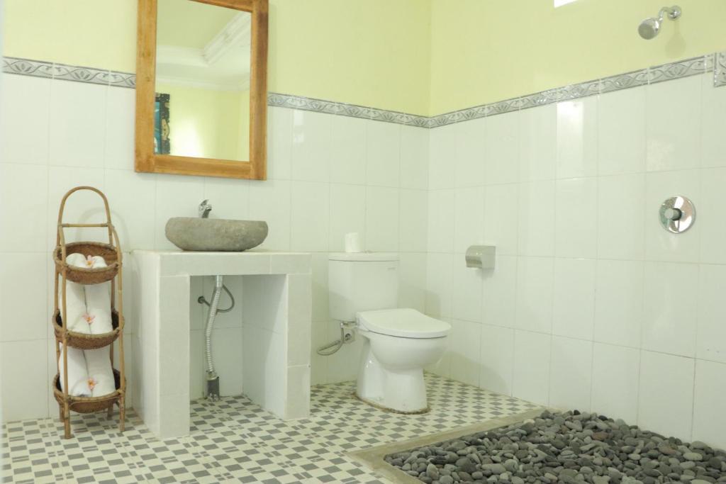 Un baño de Doni House & Villa