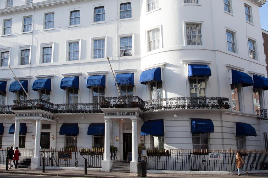 London Elizabeth Hotel Parking