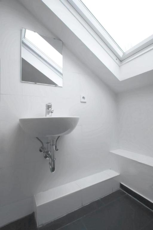 bedpark altona pension hamburg online booking viamichelin. Black Bedroom Furniture Sets. Home Design Ideas