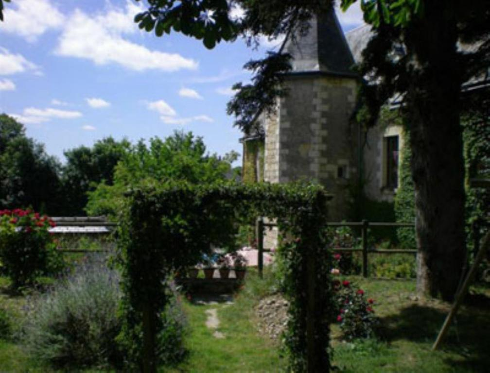 Chambres d 39 h tes manoir de l 39 abbaye chambres d 39 h tes seuilly for Chambre d hote manoir
