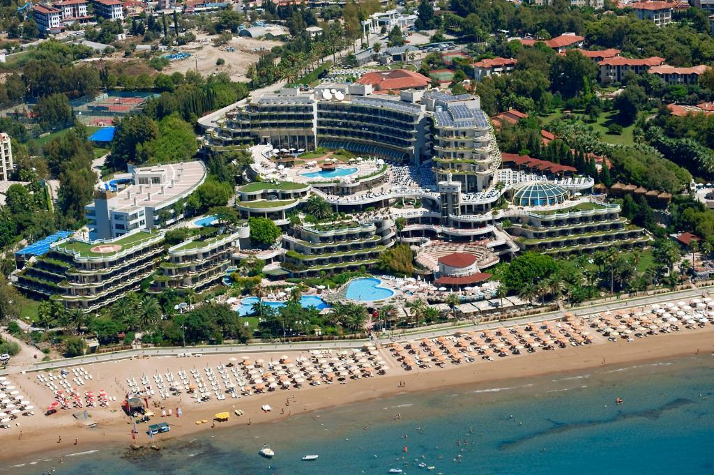 Uma vista aérea de Crystal Sunrise Queen Luxury Resort & Spa