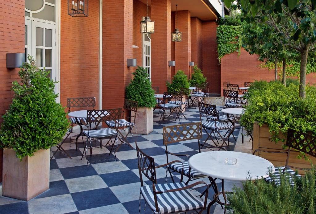 Melia recoletos valladolid reserva tu hotel con viamichelin for Hotel parque valladolid