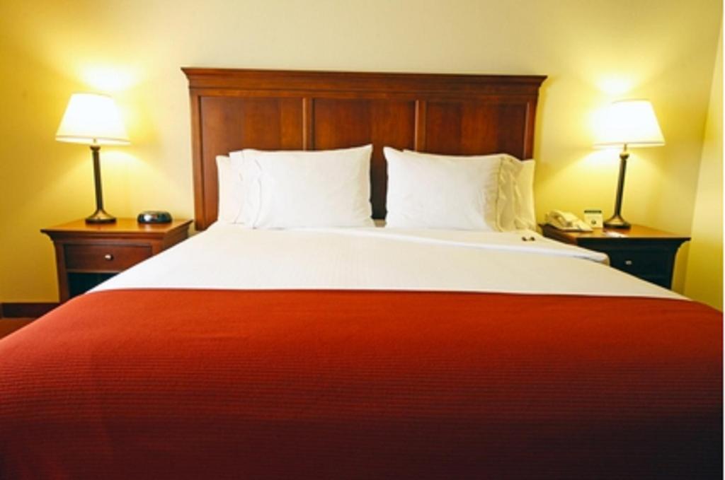 Turlock Hotel Rooms