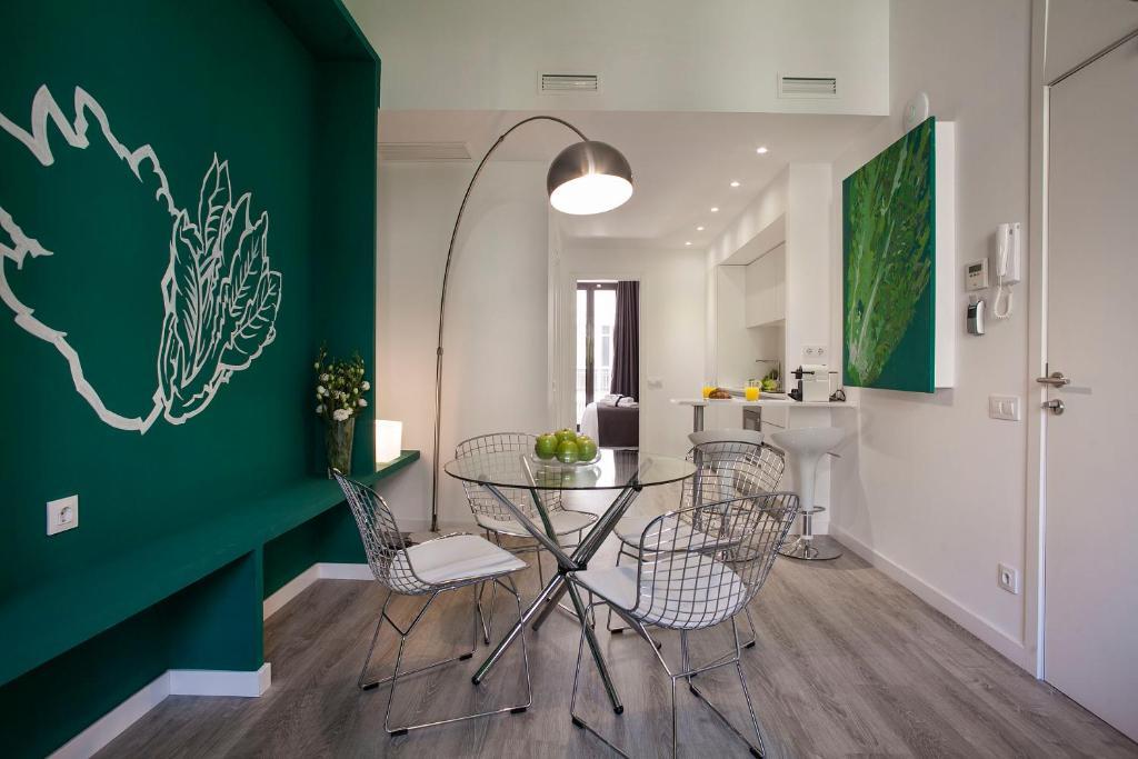 Un lugar para sentarse en Habitat Apartments ADN