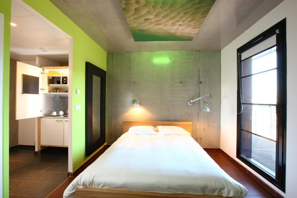 olivarius apart hotel villeneuve d 39 ascq france. Black Bedroom Furniture Sets. Home Design Ideas