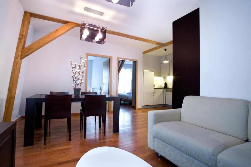 La cour des augustins boutique gallery design hotel for Design hotel geneva rue ferrier 6