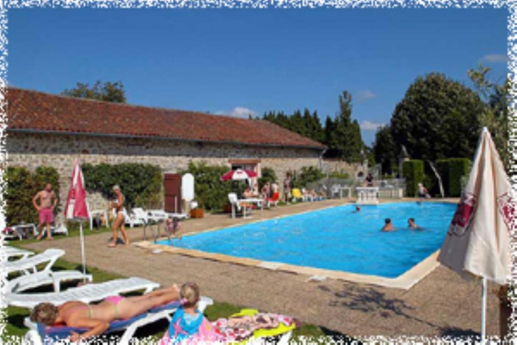H tellerie de plein air camping leychoisier camping - Camping haute vienne avec piscine ...