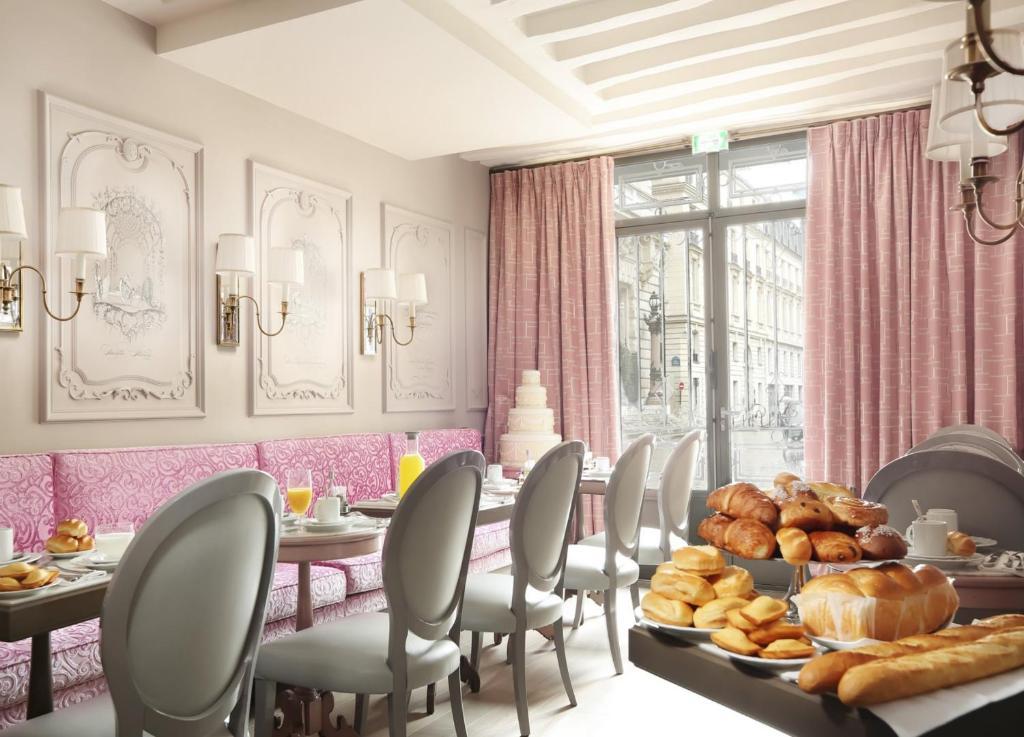 la maison favart book your hotel with viamichelin