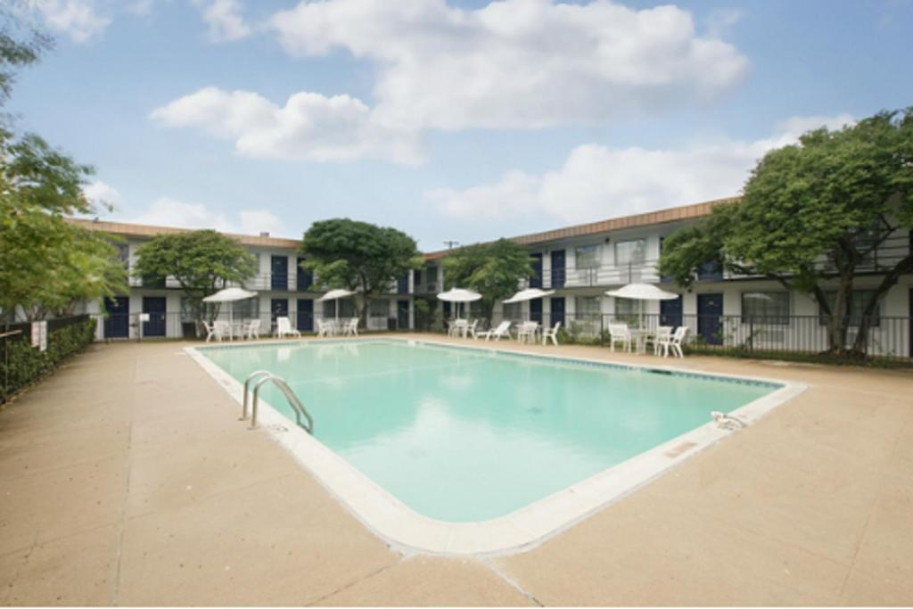 Hotels Near North Richland Hills