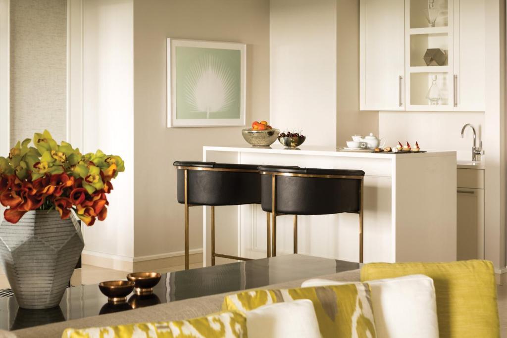 Una cocina o kitchenette en Four Seasons Resort Orlando at Walt Disney World Resort