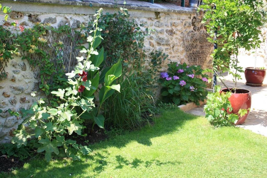 Chambres d 39 h tes le petit nailly chambres d 39 h tes magny for Jardin de cocagne magny les hameaux