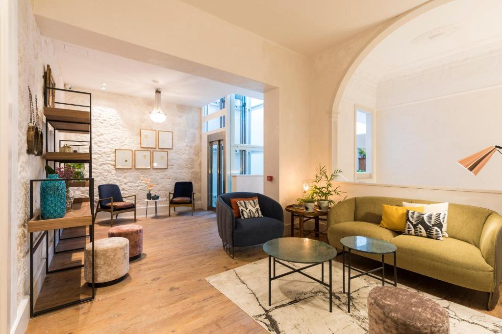 Un lugar para sentarse en VEINTIUNO Emblematic Hotels - Adults Only