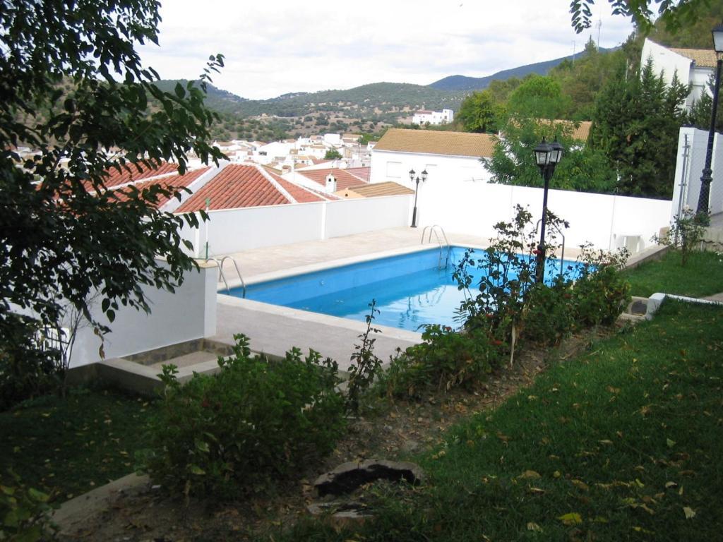 Casas el albarrac n el bosque book your hotel with - Casas el bosque ...