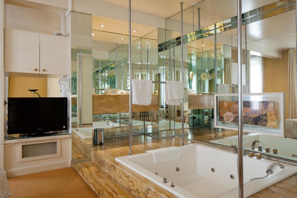 h tel de france auch viamichelin informatie en online reserveren. Black Bedroom Furniture Sets. Home Design Ideas