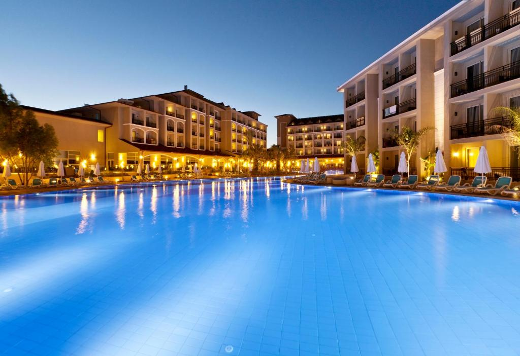 Paloma oceana resort luxury hotel manavgat book your for Motel luxury