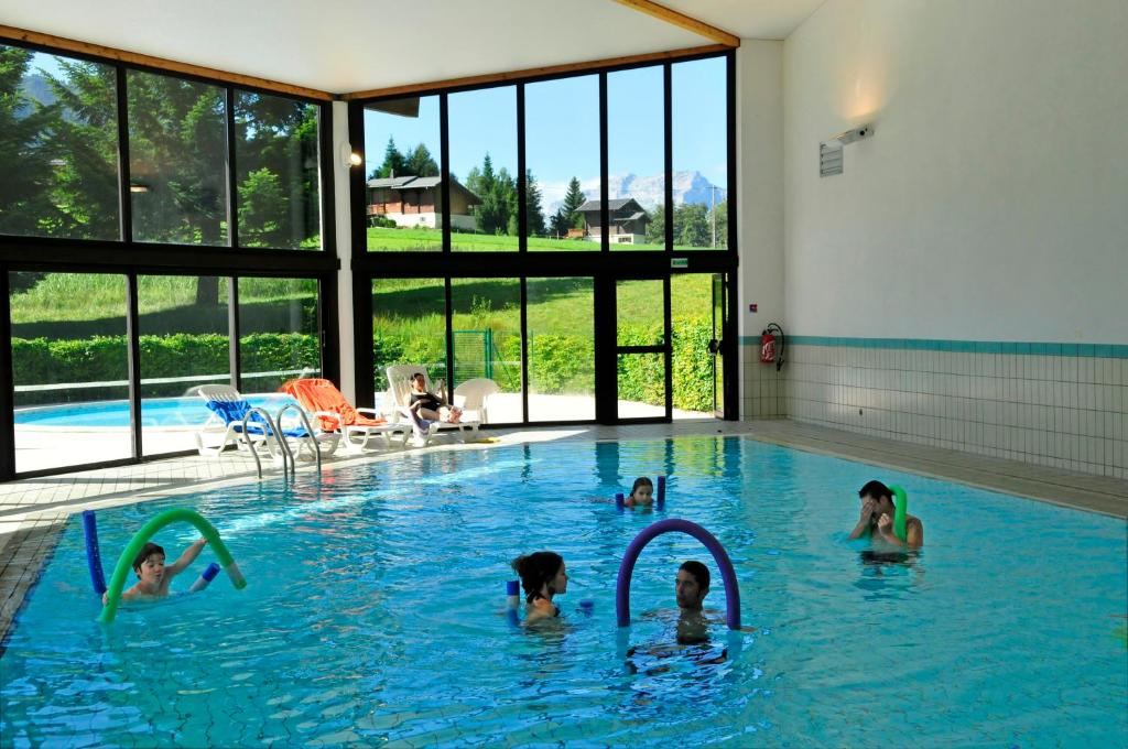 Hotel aec vacances forgeassoud saint jean de sixt for Club piscine super fitness st jean sur richelieu