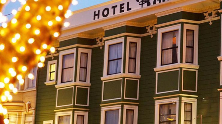 Hotel boheme san francisco book your hotel with for Royal pacific motor inn san francisco ca 94133