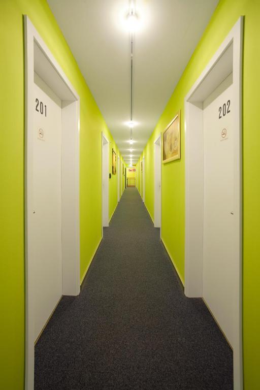 gasthaus moosh usl hebertshausen informationen und buchungen online viamichelin. Black Bedroom Furniture Sets. Home Design Ideas