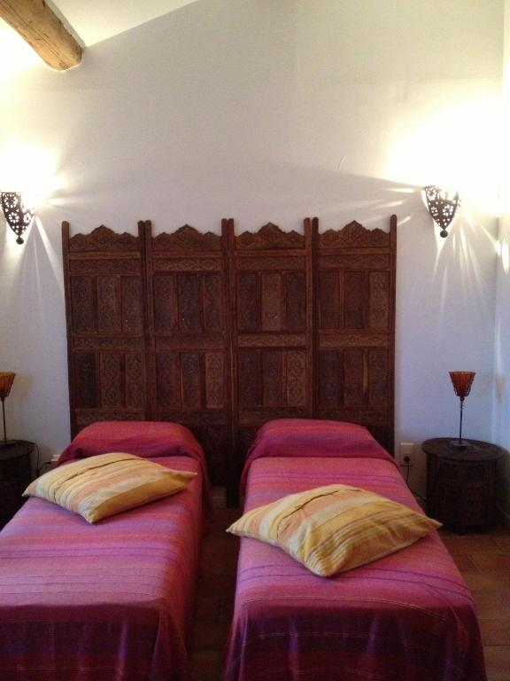 chambres d 39 h tes les jardins du rebaut chambres d 39 h tes b ziers. Black Bedroom Furniture Sets. Home Design Ideas